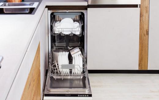 High capacity of the dishwasher: a guarantee of efficiency